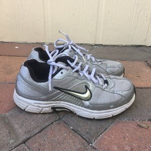 Nike Womens Running Shoes - Size 7